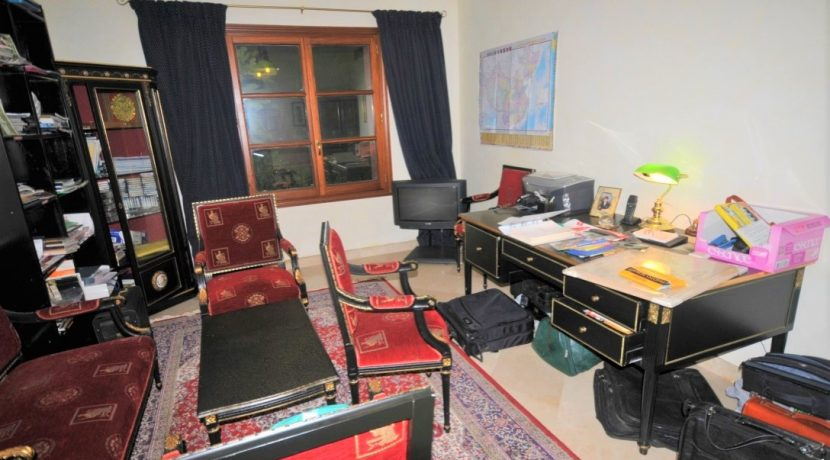 3-bed room 3-office no toilet