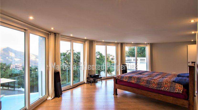 House_in_Marbella-12Masterbedroom