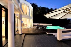 House_in_Marbella-7Poolview